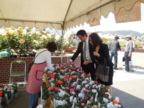 ①バラ祭り